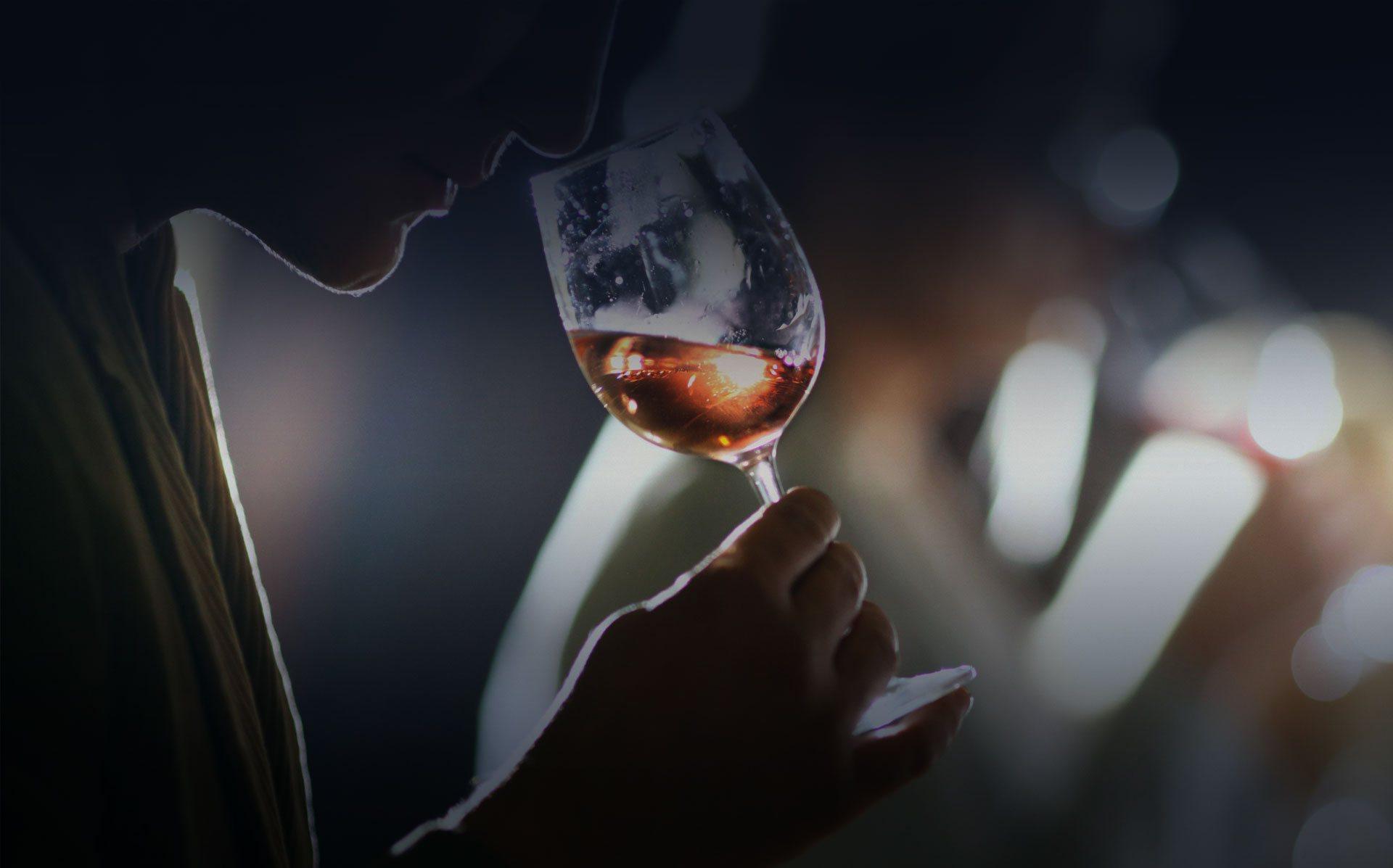 wine-taster-1920x1197-darker-2